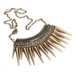 rivet tassel short necklace
