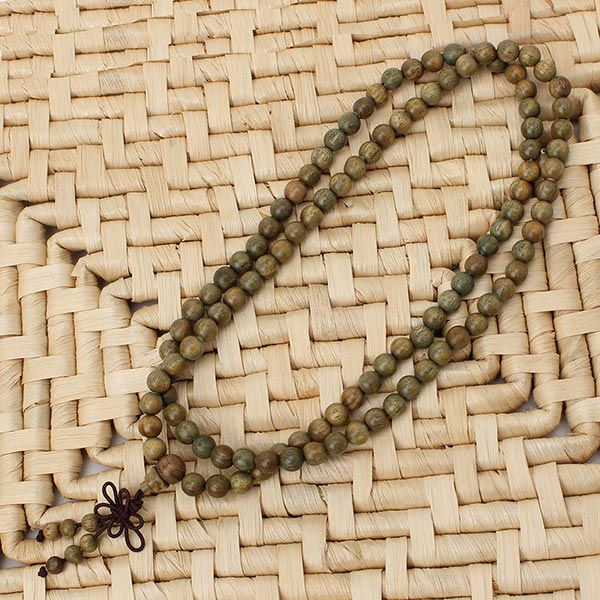 Green Sandalwood Necklace