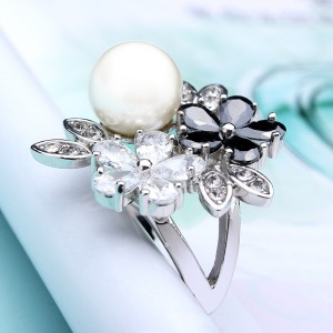 Zircon Pearl Flower Ring