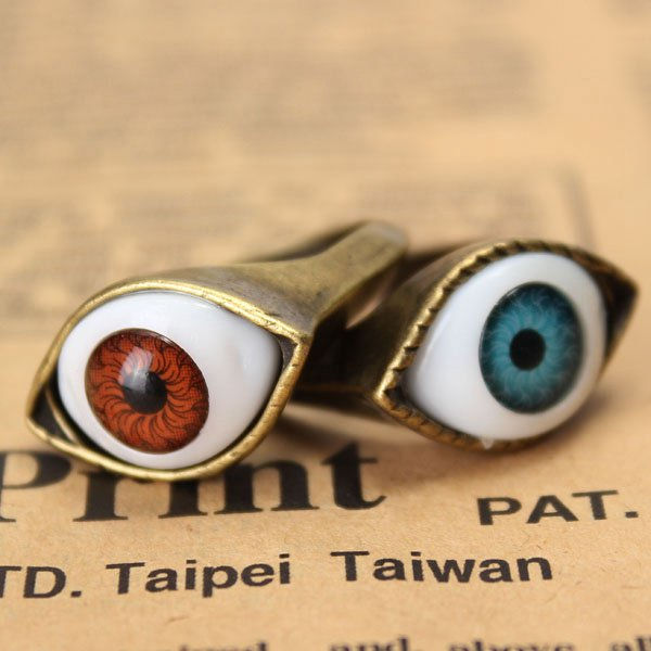 men eye ring