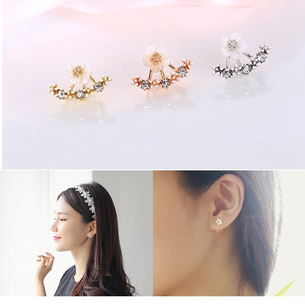 Rhinestone Flower Ear Stud
